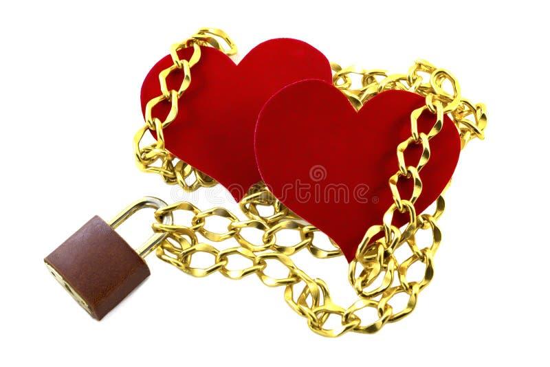 Cadena asociada de dos corazones en el castillo Día del ` s de la tarjeta del día de San Valentín aislado imagen de archivo libre de regalías