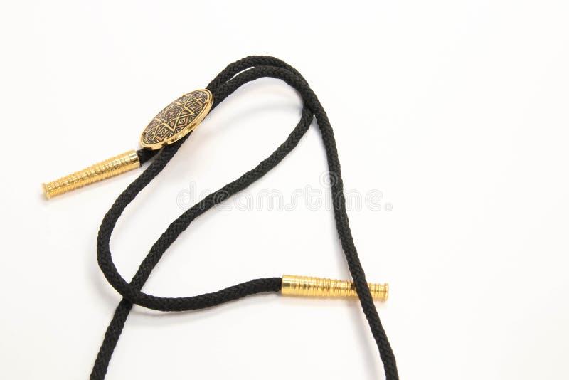 Cadena negra con la presentación de oro hermosa de la colección de la moda de la joyería foto de archivo
