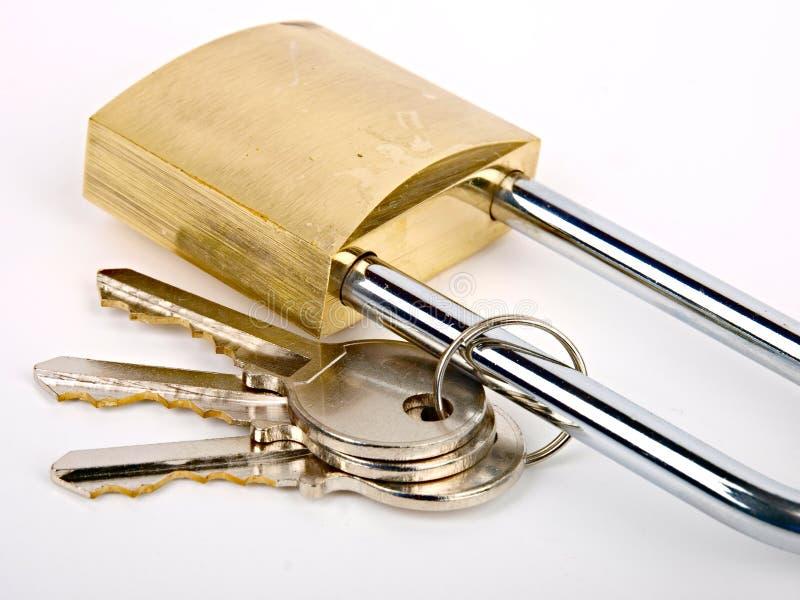 Cadenas avec des clés photo libre de droits