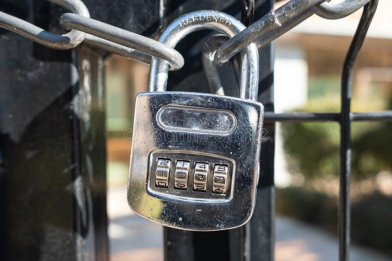 Cadenas brillant avec le code 1037 photos libres de droits