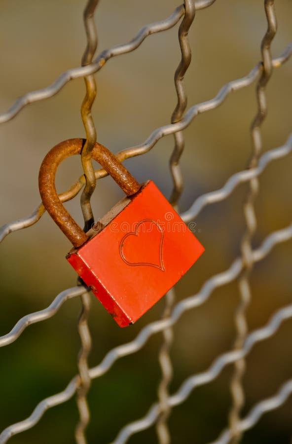 Cadenas de l'amour avec la forme de coeur images libres de droits