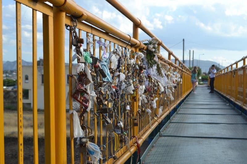 Cadenas en un puente zdjęcie royalty free