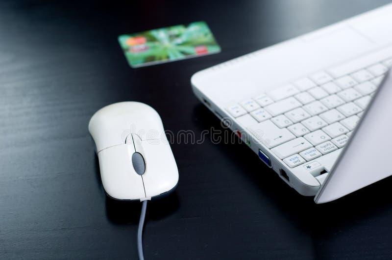 Caderno, cartão de crédito, rato foto de stock