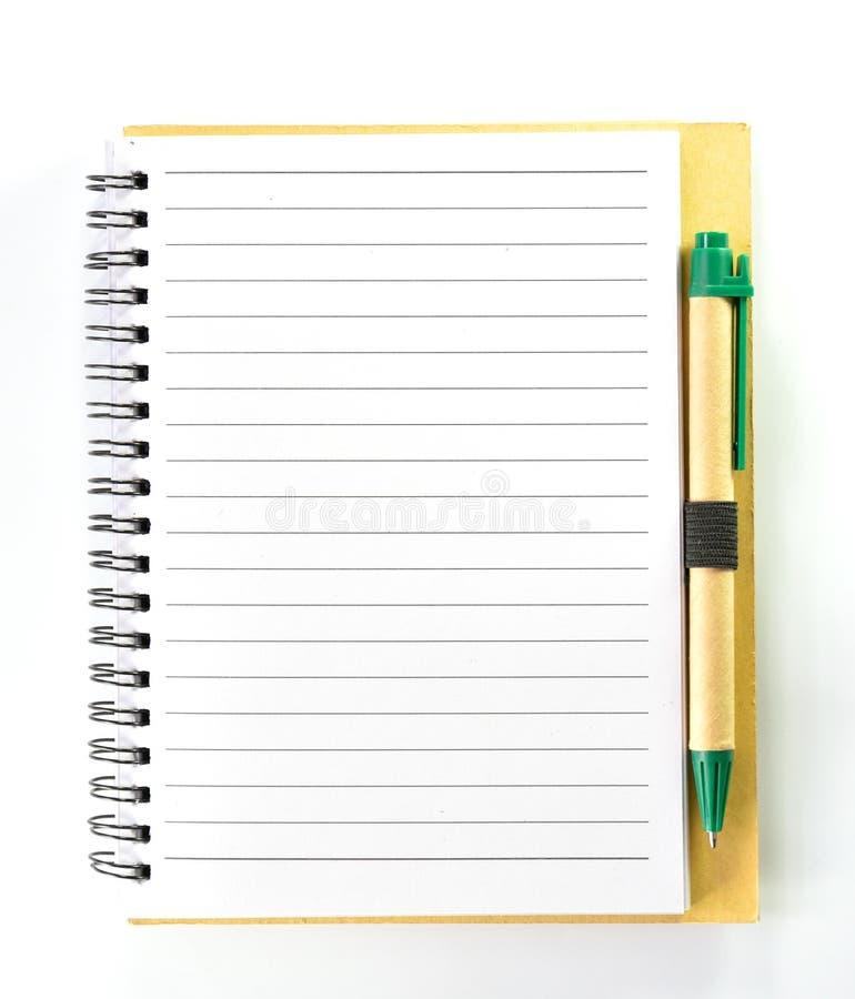 Caderno de Brown, nota Ecru naturalmente com uma pena foto de stock royalty free