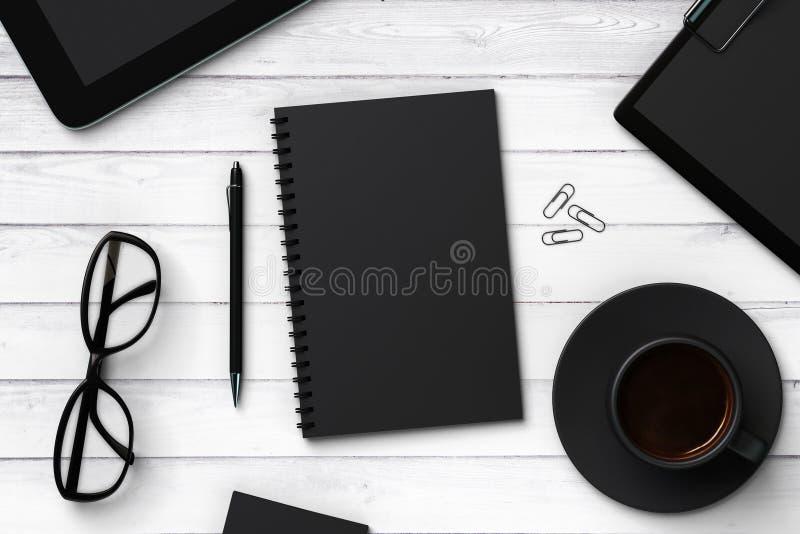 Caderno e acessórios vazios pretos ilustração stock