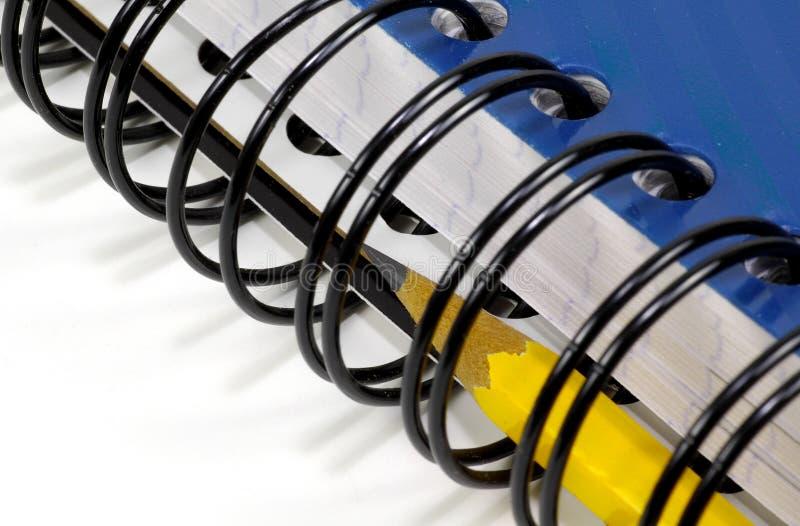 Caderno espiral e lápis foto de stock