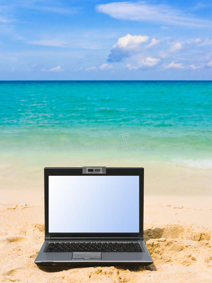 Caderno na praia imagens de stock royalty free