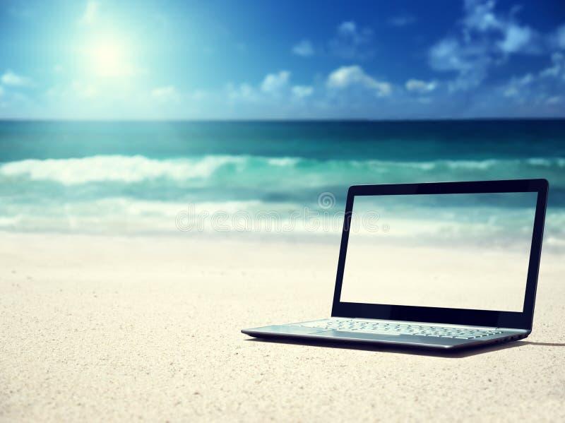 Caderno na praia fotografia de stock royalty free