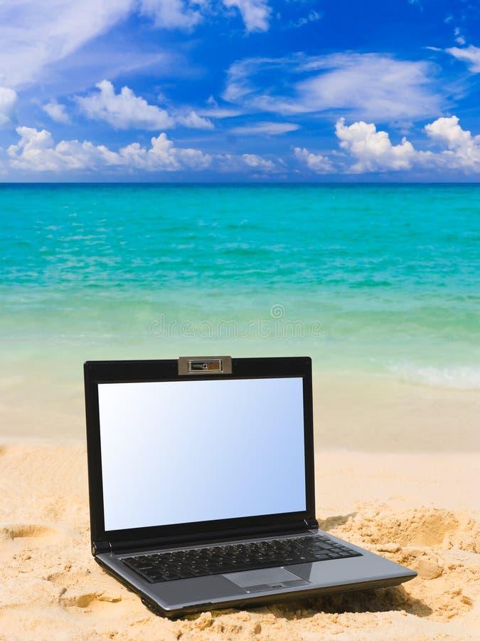 Caderno na praia foto de stock