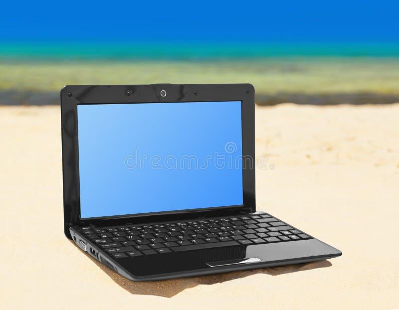 Caderno na praia fotos de stock royalty free