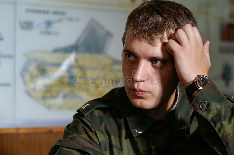 Cadet d'école militaire dans la salle de classe photo stock