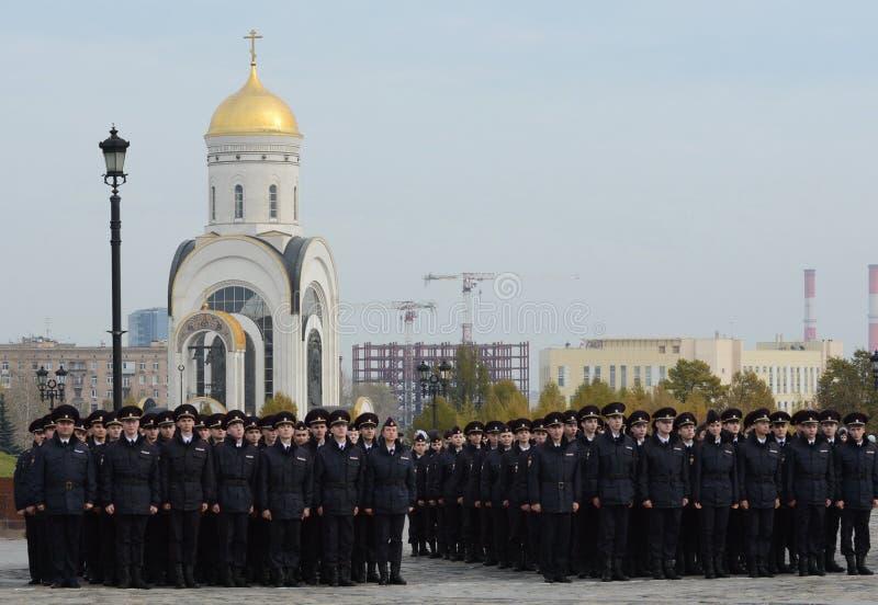 Cadets de police sur la colline Moscou de Poklonnaya photographie stock libre de droits