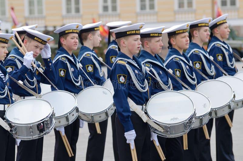 Cadets préparant pour le défilé photos stock