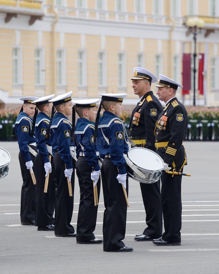 Cadets préparant pour le défilé photographie stock