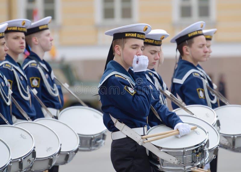 Cadets préparant pour le défilé photographie stock libre de droits