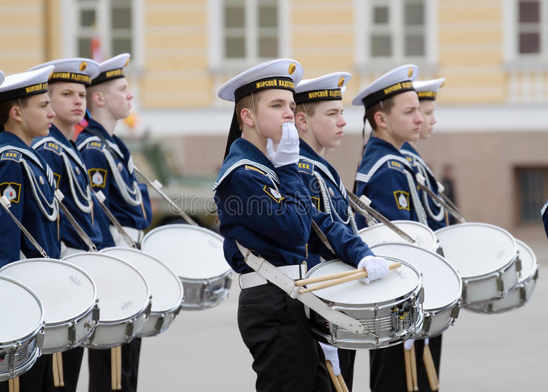 Cadets préparant pour le défilé images libres de droits