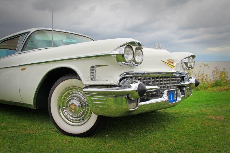 Cadillac branco imagens de stock