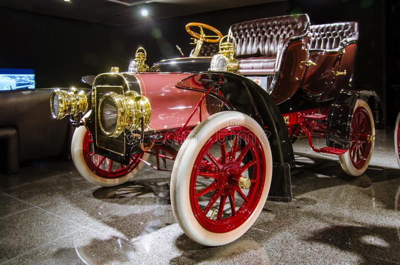 1906 Cadillac, Model M, Tulip Tourer presented in Blackhawk Museum. Ca. USA. BLACKHAWK AUTOMOTIVE MUSEUM, DANVILLE, CA, US - MARCH 15, 2015: 1906 Cadillac, Model stock images