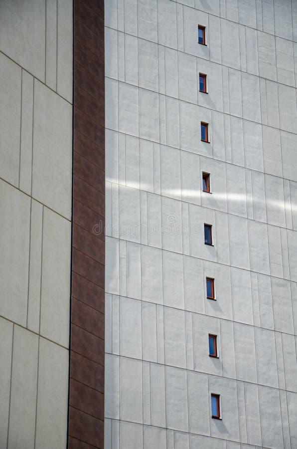 Cadre architectural de la façade du bâtiment avec éléments décoratifs photo stock