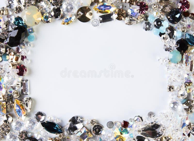 Cadre carré des pierres gemmes colorées minérales naturelles images libres de droits
