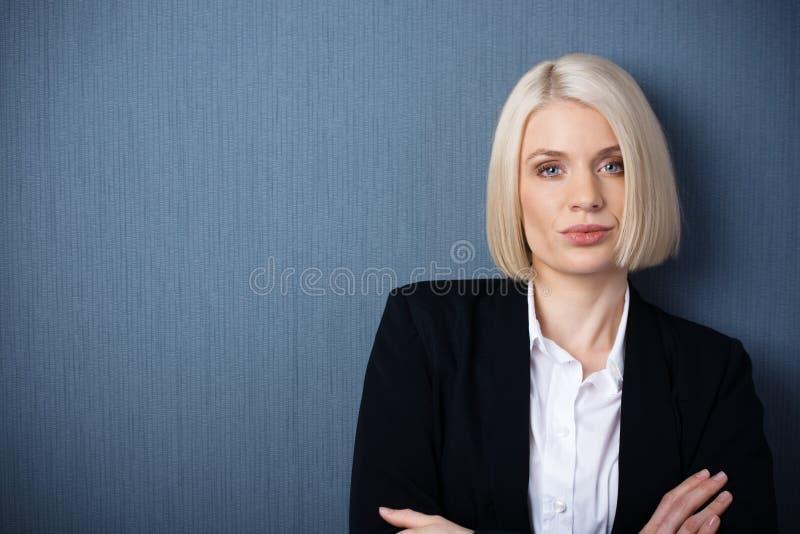 Cadre commercial féminin sûr photographie stock