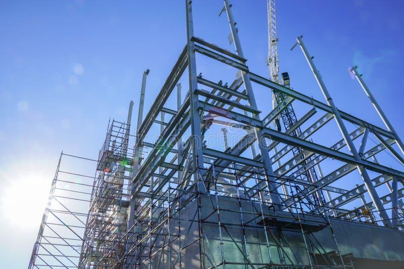 Cadre d'acier de construction pour le nouveau bâtiment photos stock
