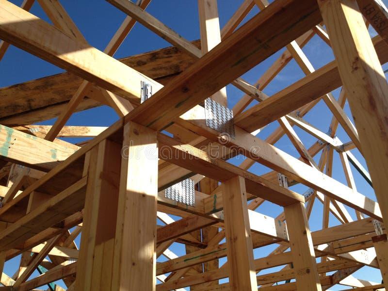 Cadre de maison de bois de construction photographie stock libre de droits