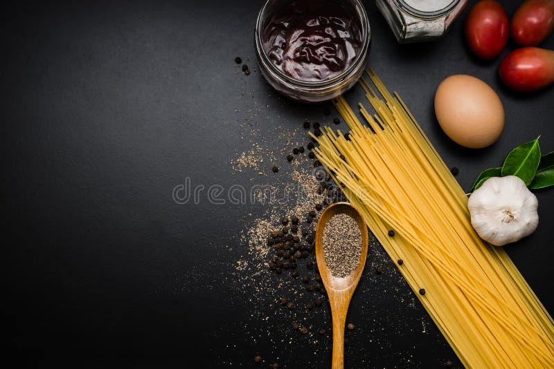 Cadre de nourriture Ingrédients de pâtes photos stock