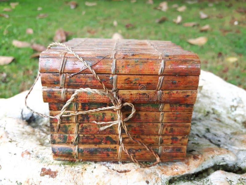 Cadre en bois d'isolement photographie stock libre de droits
