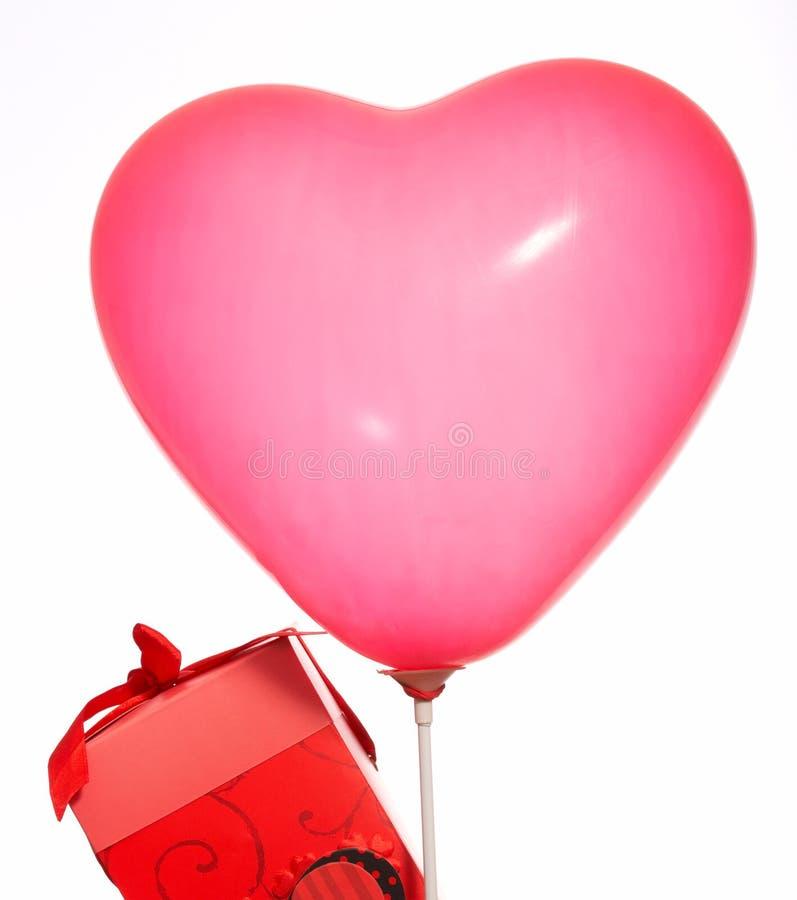 Cadre et ballon de cadeau photographie stock libre de droits