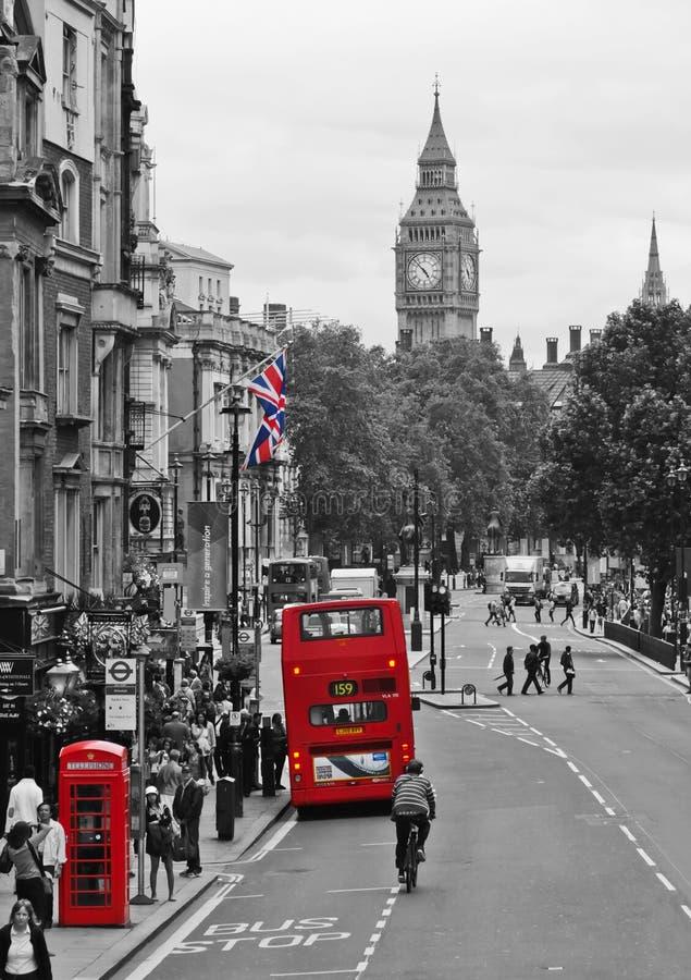 Cadre et bus de téléphone de Londres photos stock