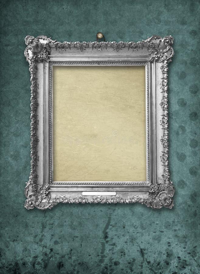 Cadre victorian argenté de cru en bois pour l'exposition de musée photos stock