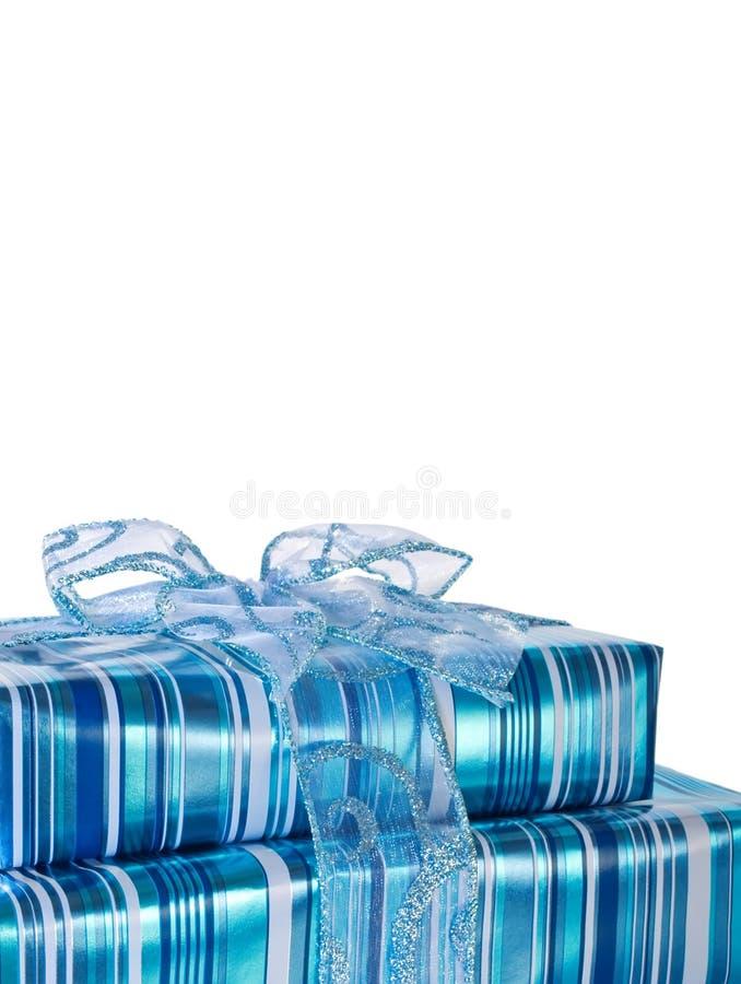 Cadres de cadeau lustrés bleus avec une bande photos stock