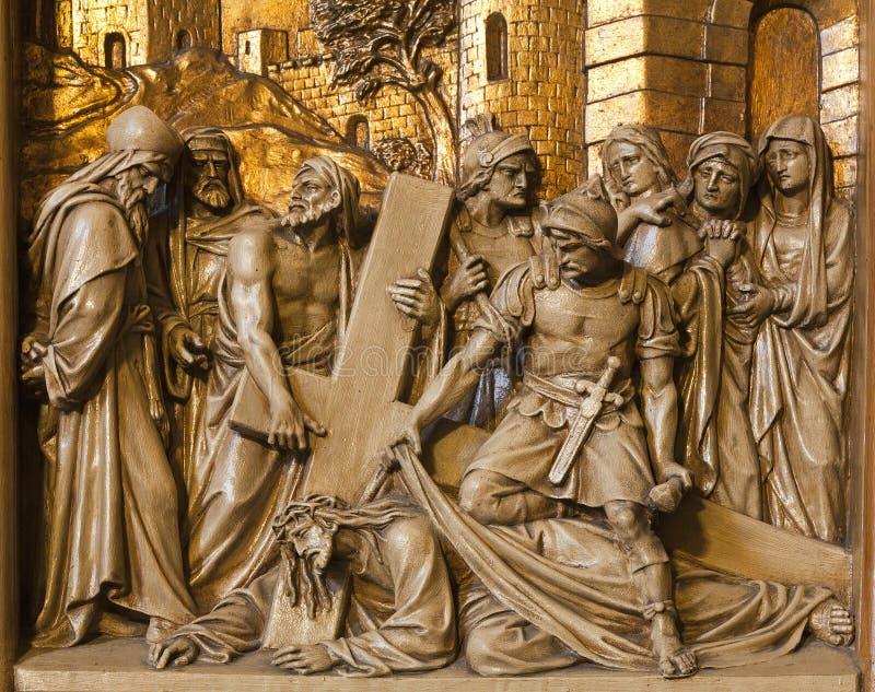Caduta del Jesus - di Bruxelles nell'ambito della traversa - rilievo immagine stock libera da diritti