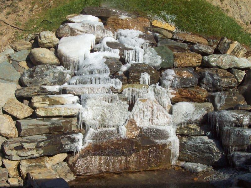 Caduta dell'acqua della roccia immagini stock