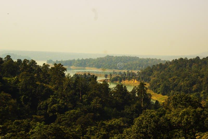 Caduta di Kendai un punto di picnic al korba, chhattisgarh, India fotografia stock libera da diritti