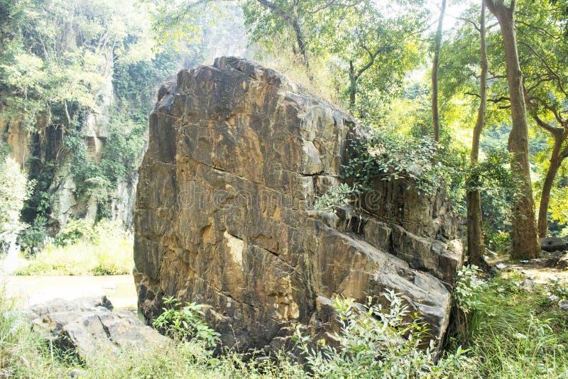 Caduta di Kendai un punto di picnic al korba, chhattisgarh, India fotografia stock