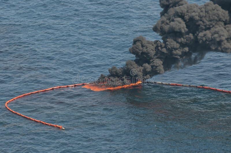 Caduta di olio di acqua profonda di orizzonte di B.P. fotografia stock