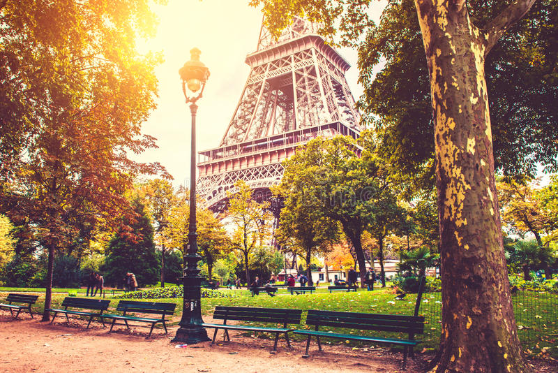 Caduta a Parigi immagine stock