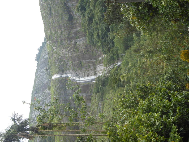 Cadute dell'acqua di Mazhuvady immagini stock