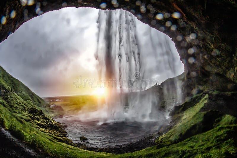 Cadute di stordimento Seljalandsfoss fotografia stock libera da diritti
