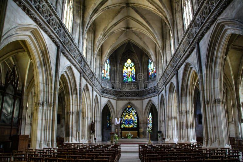 Caen, Francja; 4 2018 Czerwiec: Caen katedra Widok środkowa sala zdjęcie royalty free