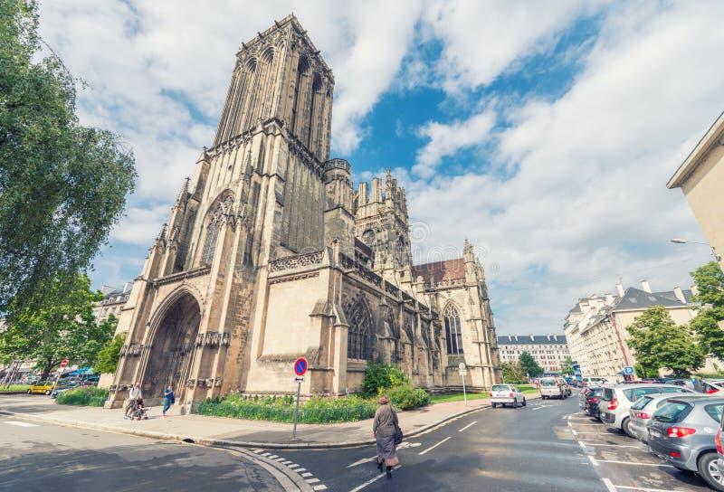 CAEN, FRANKREICH - Kirche von Sain Jean Mittelalterliche Architektur a Caens lizenzfreie stockbilder