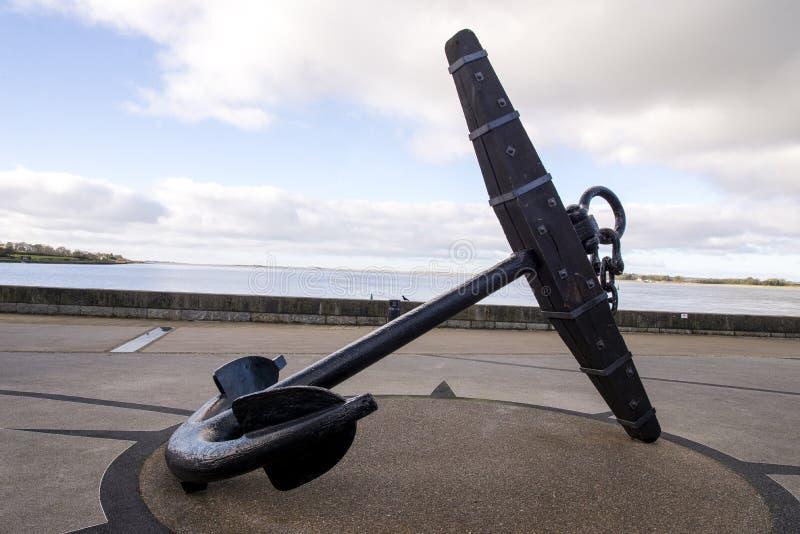 Caernarfon - Victoria Dock - Admiralitäts-Muster-Anker stockbild
