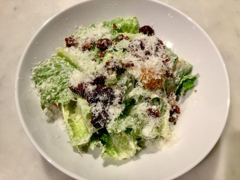 Caesar Salad classique Plat frais de salade Vue supérieure image libre de droits