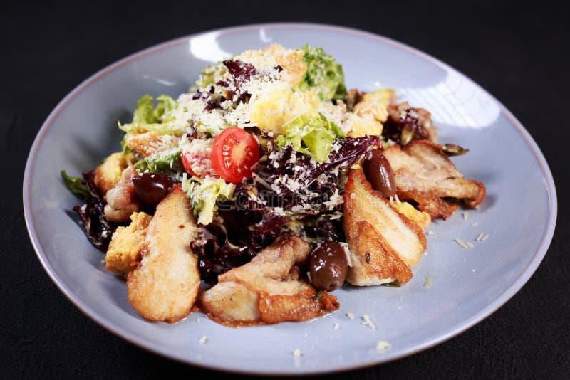 Caesar-Salat, traditionelles Rezept, Restaurantmenü stockfotografie