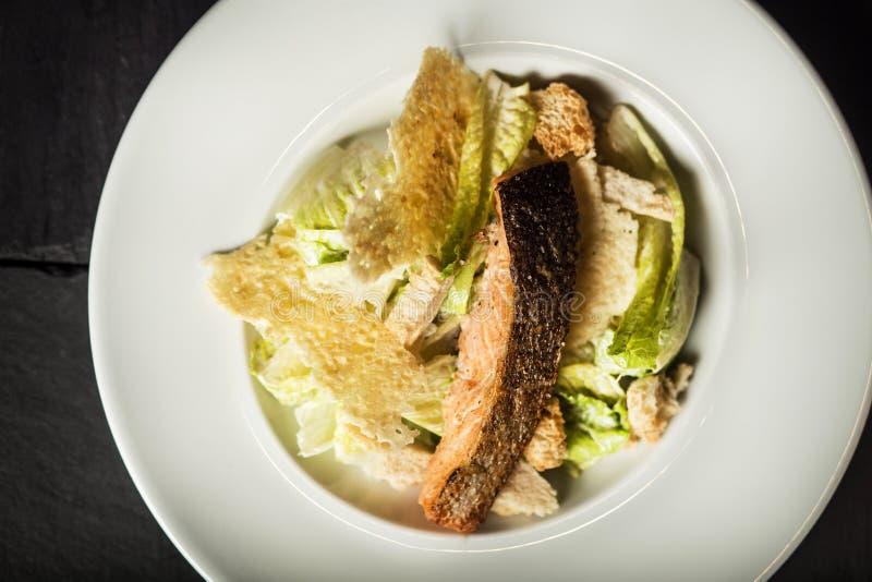 caesar salladlax Restaurangmaträtten royaltyfria bilder
