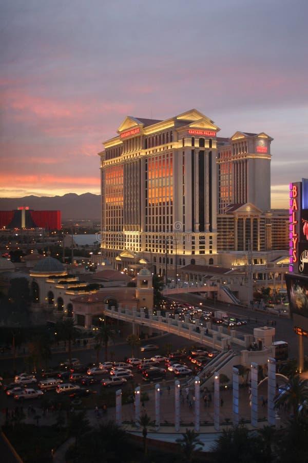 Caesars Palace no crepúsculo em Las Vegas fotografia de stock royalty free