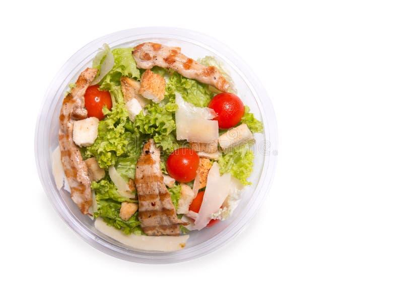 Caesarsalade met geroosterd kippenvlees, hoogste mening stock foto