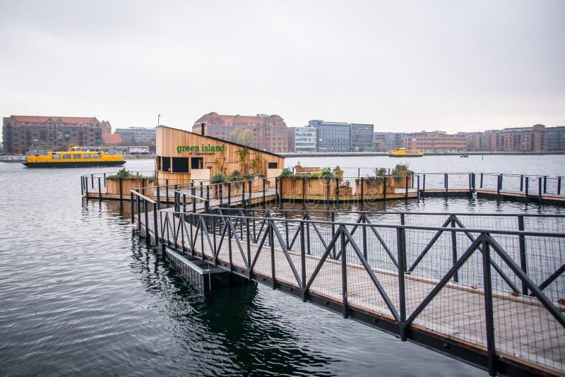Café op water Onderaan stad Kopenhagen, Denemarken royalty-vrije stock fotografie